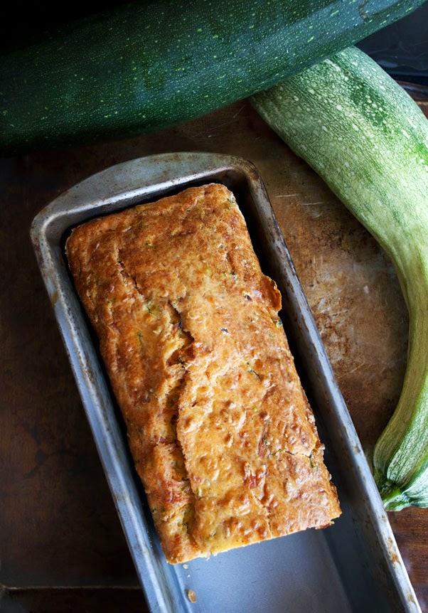 ... Κέικ με Κολοκυθάκια - Savory Zucchini Bread