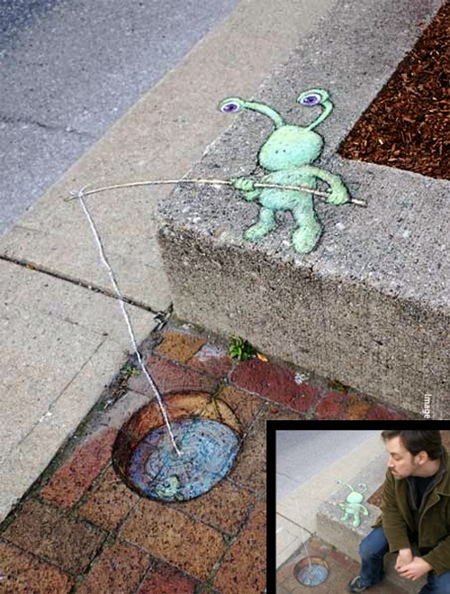 02-Brick-Fishing- Sluggo-Artist-David-Zinn-Chalk-Street-Art-www-designstack-co