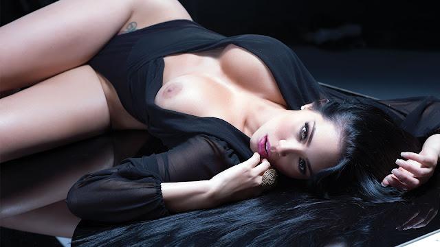 Carolina Petkoff calendario 2015 2016 belleza salvaje
