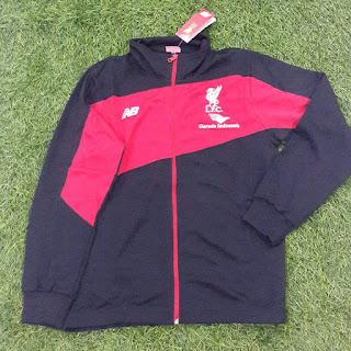 gambar desain terbaru jaket musim depan gambar photo kamera Jaket Liverpool Garuda New Balance warna hitam terbaru musim 2015/2016 di enkosa sport toko online jersey bola terpercaya lokasi di jakarta