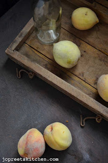 Peach Kesari / Halwa (Semolina & Peach Pudding)