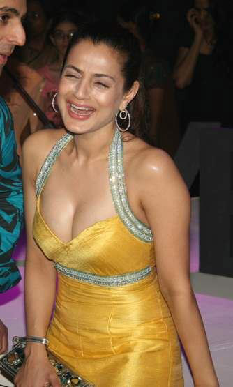 manisha lamba boob press downlod