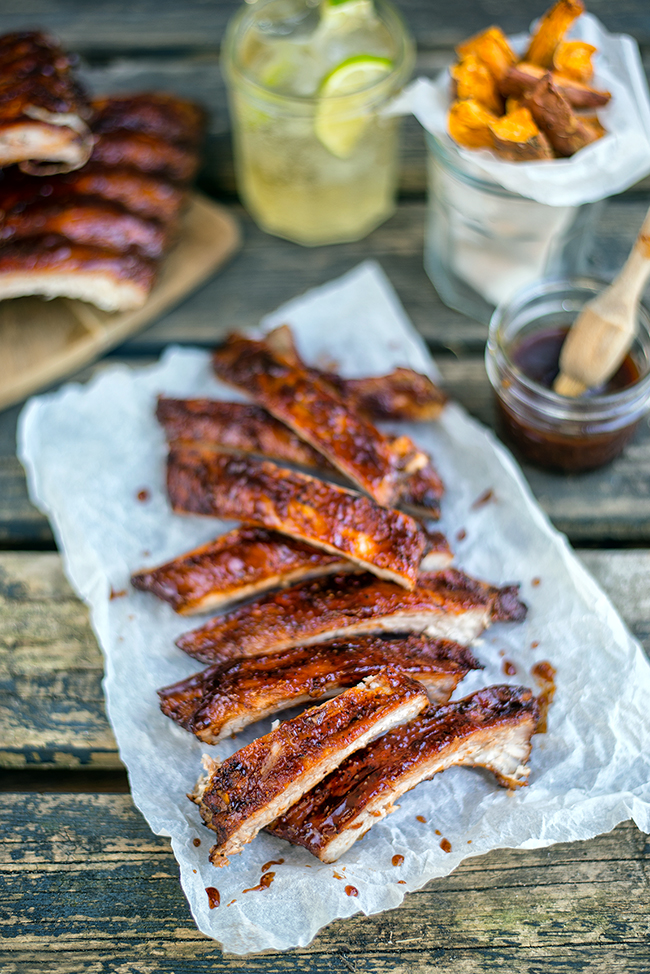 Dry-rubbed ribs with bourbon-spiked BBQ sauce