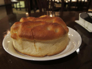 Bread at La Piazza Hyatt Delhi