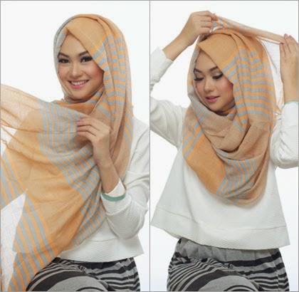 langkah 4 - 5 Cara Memakai Jilbab dengan Scarf Panjang ala Si Cantik Nada Puspita