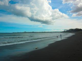 Tempat wisata pantai Biaung