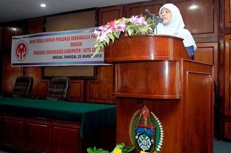 Sutiyas-Apresias-Pengrajin-Indonesia