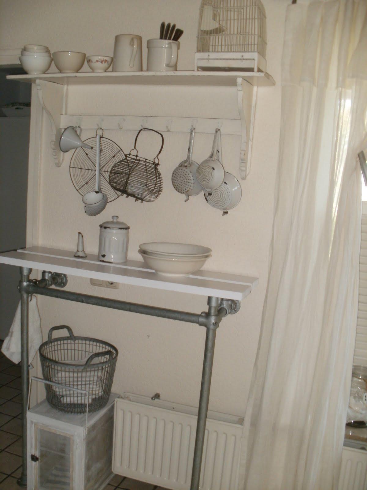 brocante keuken hangkastjes : Hemelswitwonen Keukenkiekjes