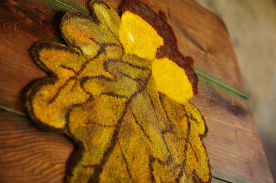 wet, felt, felting, autumn, table, mat, placemat, sharon mansfield, the tin thimble, acorns, oak, leaf