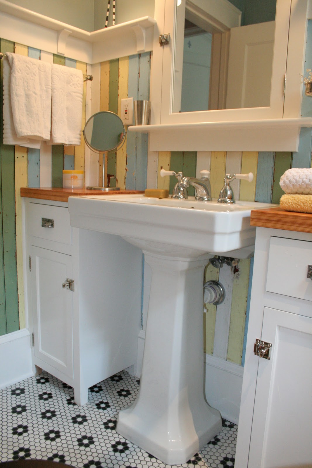 Fun house redo of my 1920 39 s bathroom for Bathroom ideas 1920s home