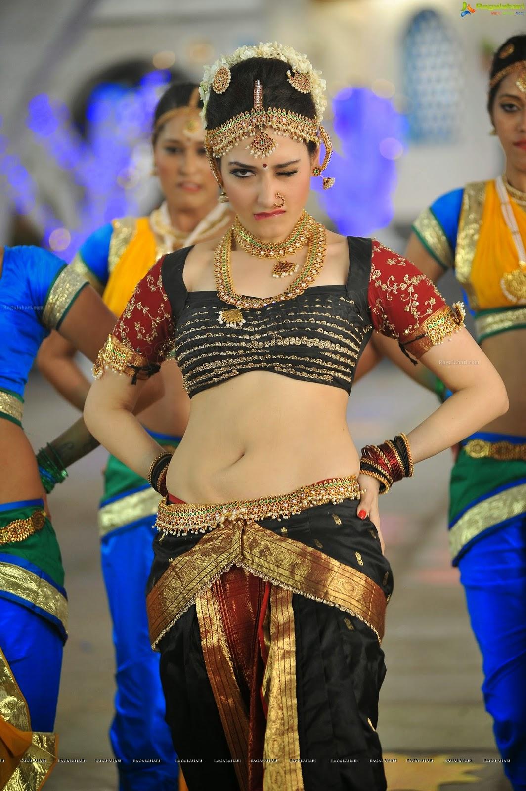 wsww: tamanna bhatia hot cute extraordinary song cameramen gangatho