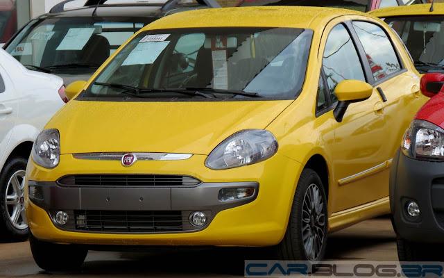 Fiat Punto 2014 Sporting - Amarelo