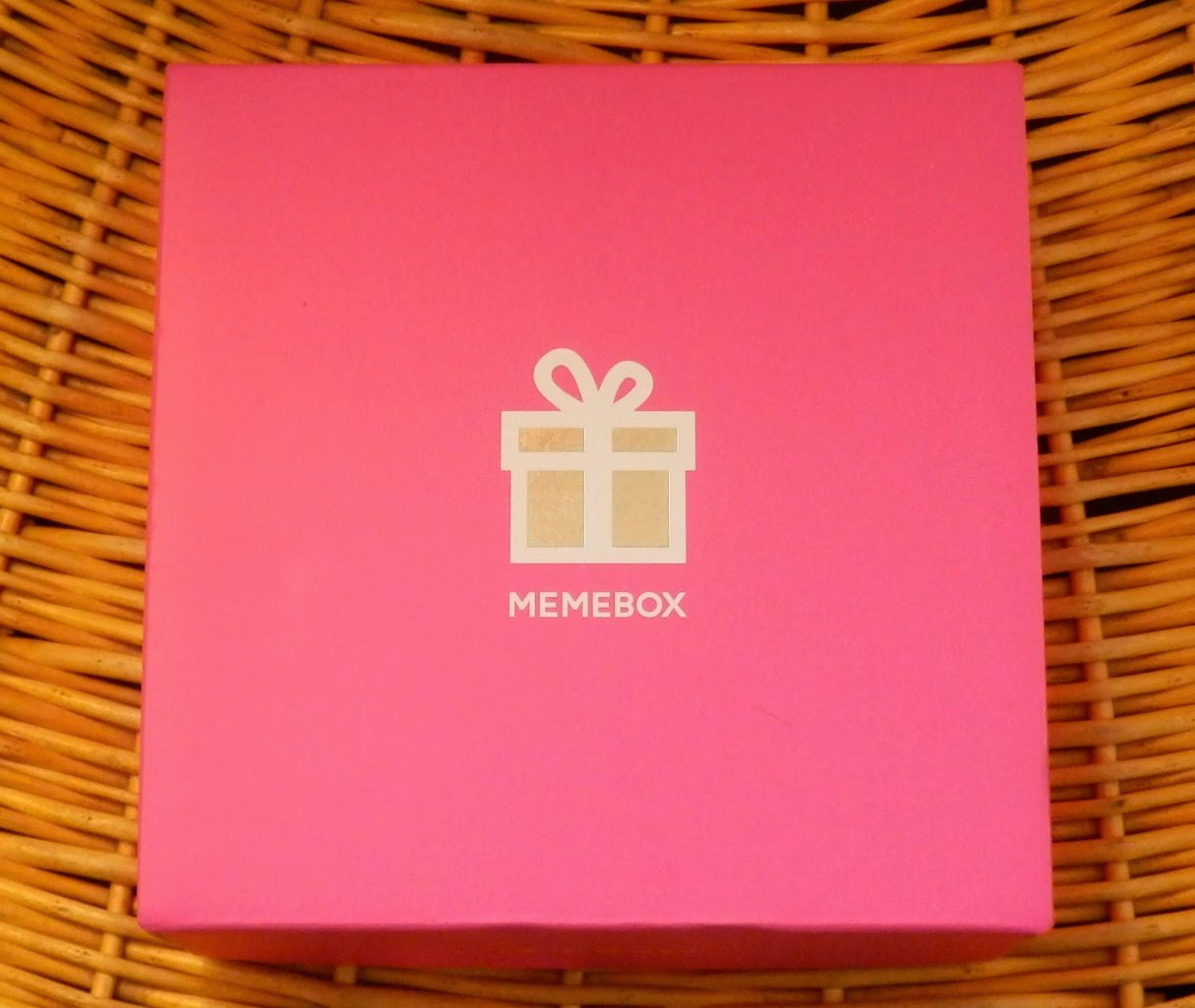 MEMEBOX is a South Korean Beauty Box Service