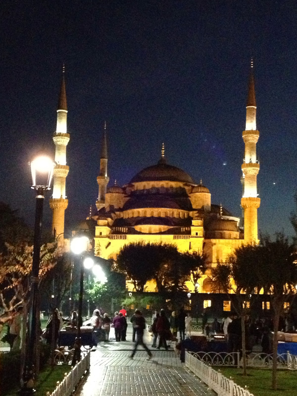 Istanbul - The Blue Mosque at night is really beautiful