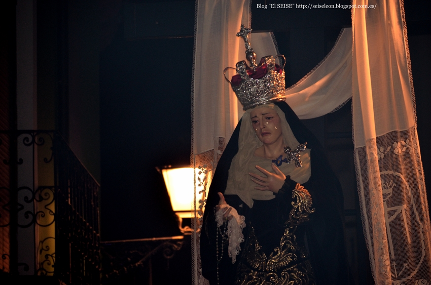María Santísima del Mayor Dolor en su Soledad. Cofradía Santo Cristo del Desenclavo. León. Foto G. Márquez. 2015