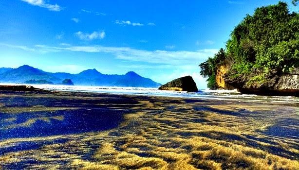 Gambar Pantai Pelang di Trenggalek Jawa Timur