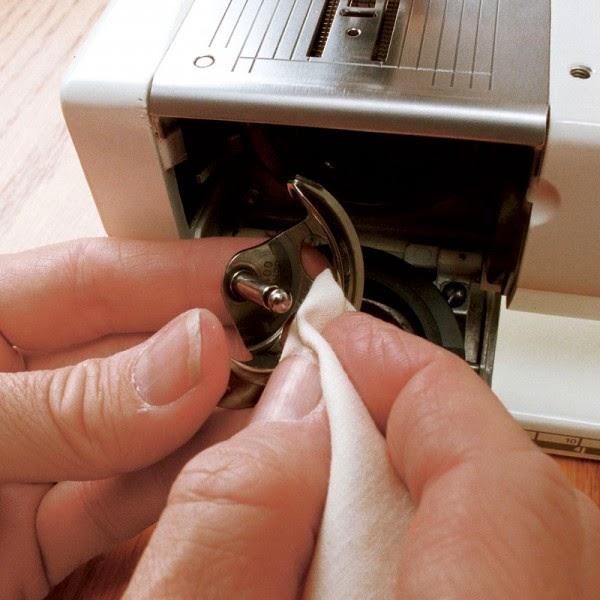 sewing machine bobbin jamming