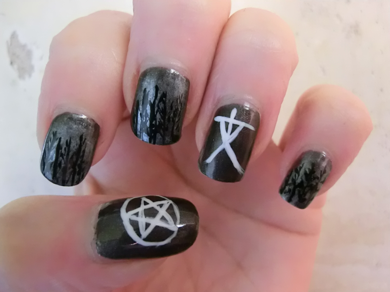 Blair Witch Nailart - M.A.S.P.O.O.A.S.E. : Blair Witch Nailart For Halloween