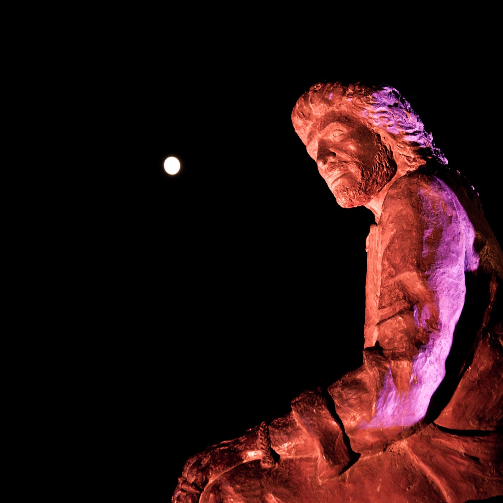 Estatua de Camarón junto a la Venta de Vargas