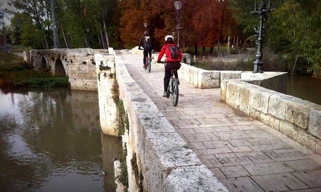 Puentecillas en bici, 2012 (cc) Abbé Nozal