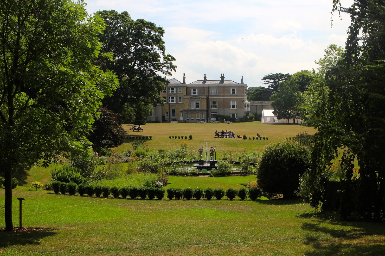 miscriant quex park house and gardens