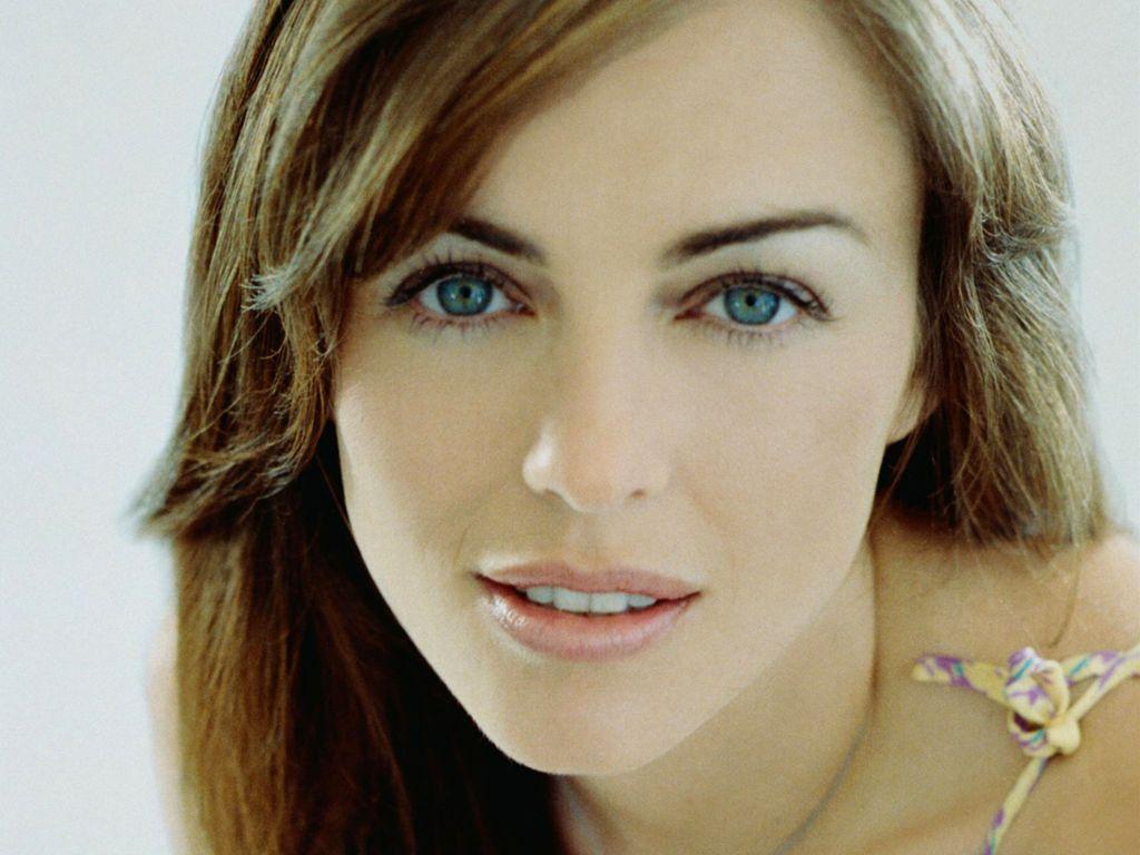 http://2.bp.blogspot.com/-1ms-kfDbHwM/TaQsjKixcVI/AAAAAAAABjo/FnQWebaDG7A/s1600/Elizabeth+Hurley+%252828%2529.JPG