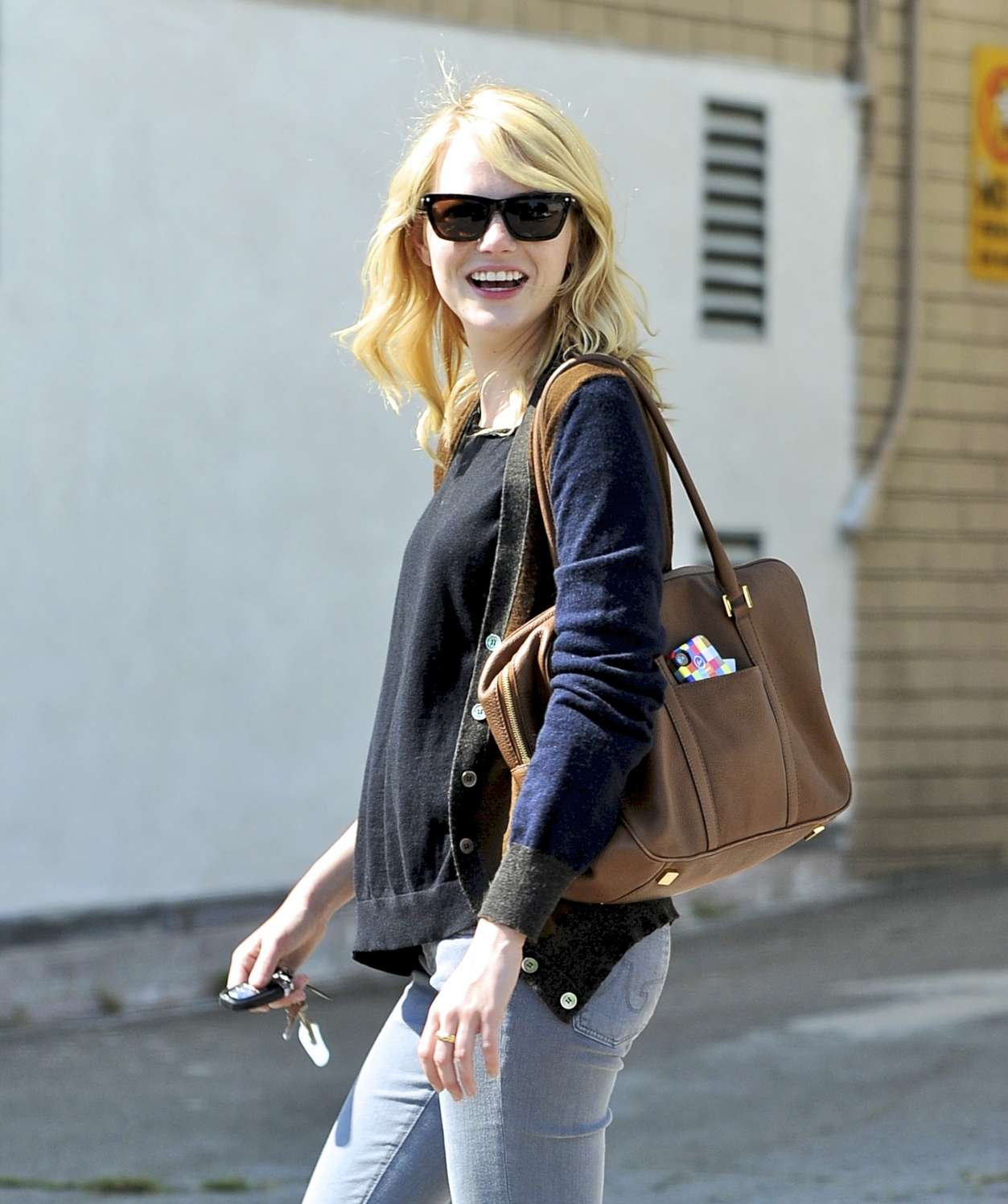 Emma Stone Smiling Picture in Jeans 7