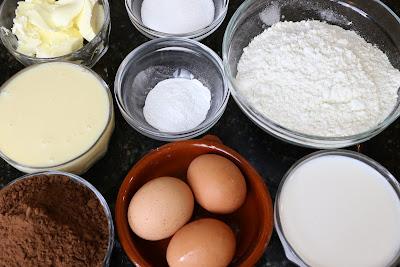 Ingredientes para bizcocho de chocolate