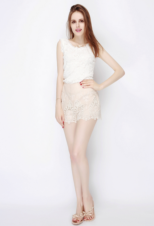 Embroidered Lace Scalloped Hem Shorts
