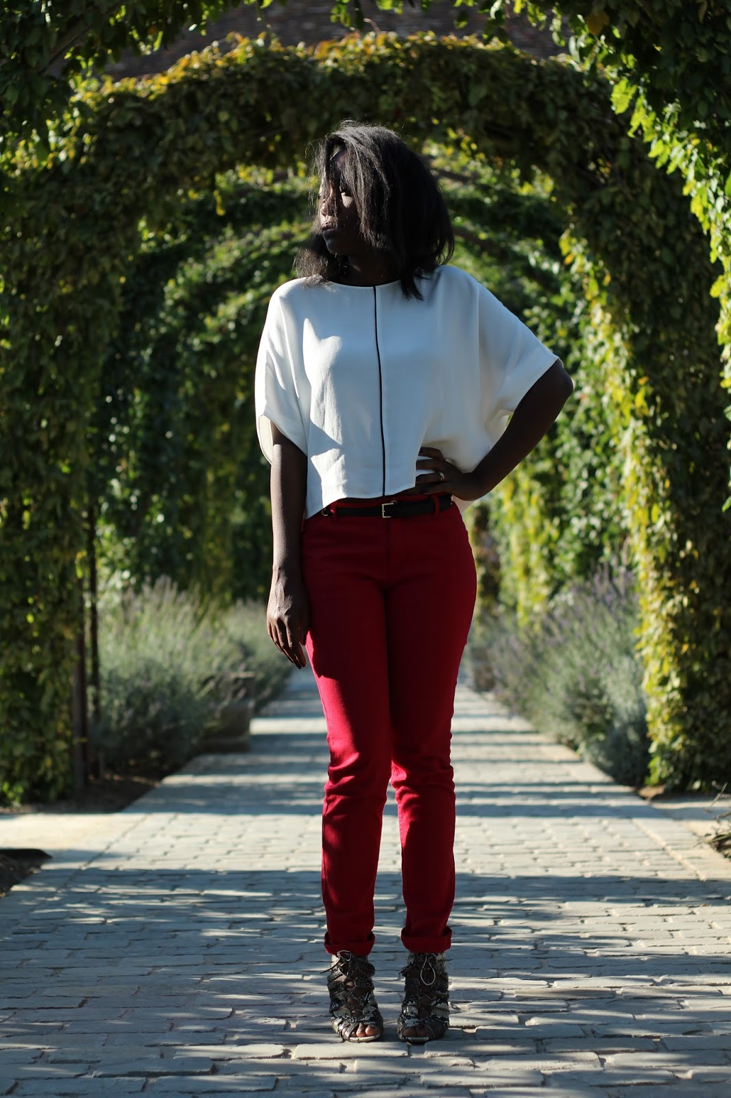 NEW FASHION BLOG-HYPE-BLACK FASHION BLOGGER-BEAUVAIS