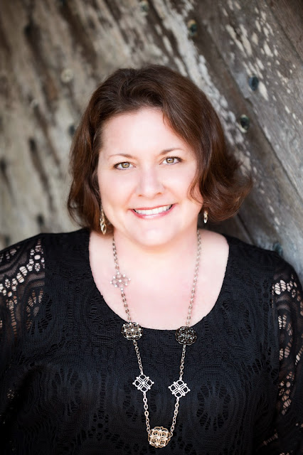 Chrissy Lessey Author The Coven - On the Inside -Hello, Handbag