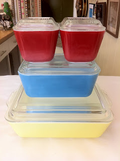 lost found marblehead ma a perfect set of 1950 39 s pyrex glass storage containers boom sold. Black Bedroom Furniture Sets. Home Design Ideas