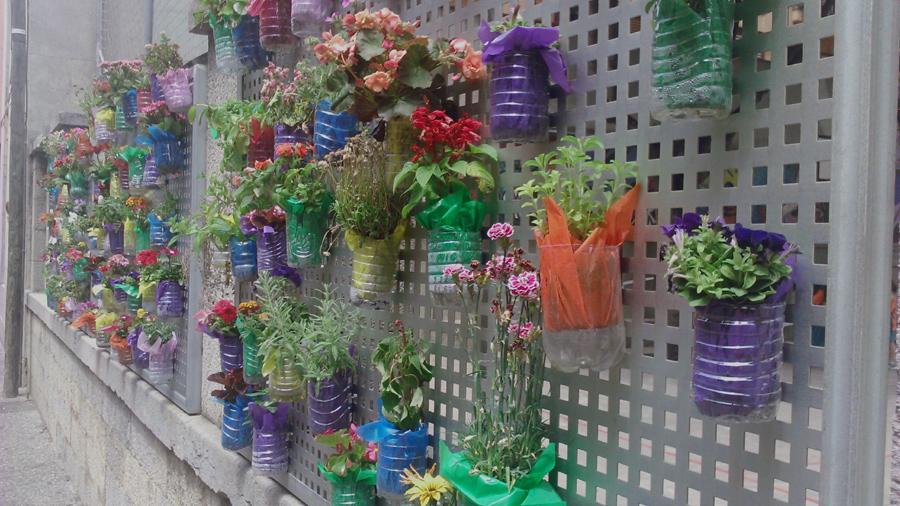 Reciclar reciclar reciclar vertiflor for Ideas para jardin reciclado
