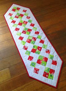 Easy Christmas Table Runner