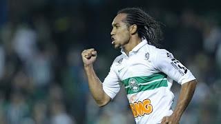 Éverton Ribeiro no Santos