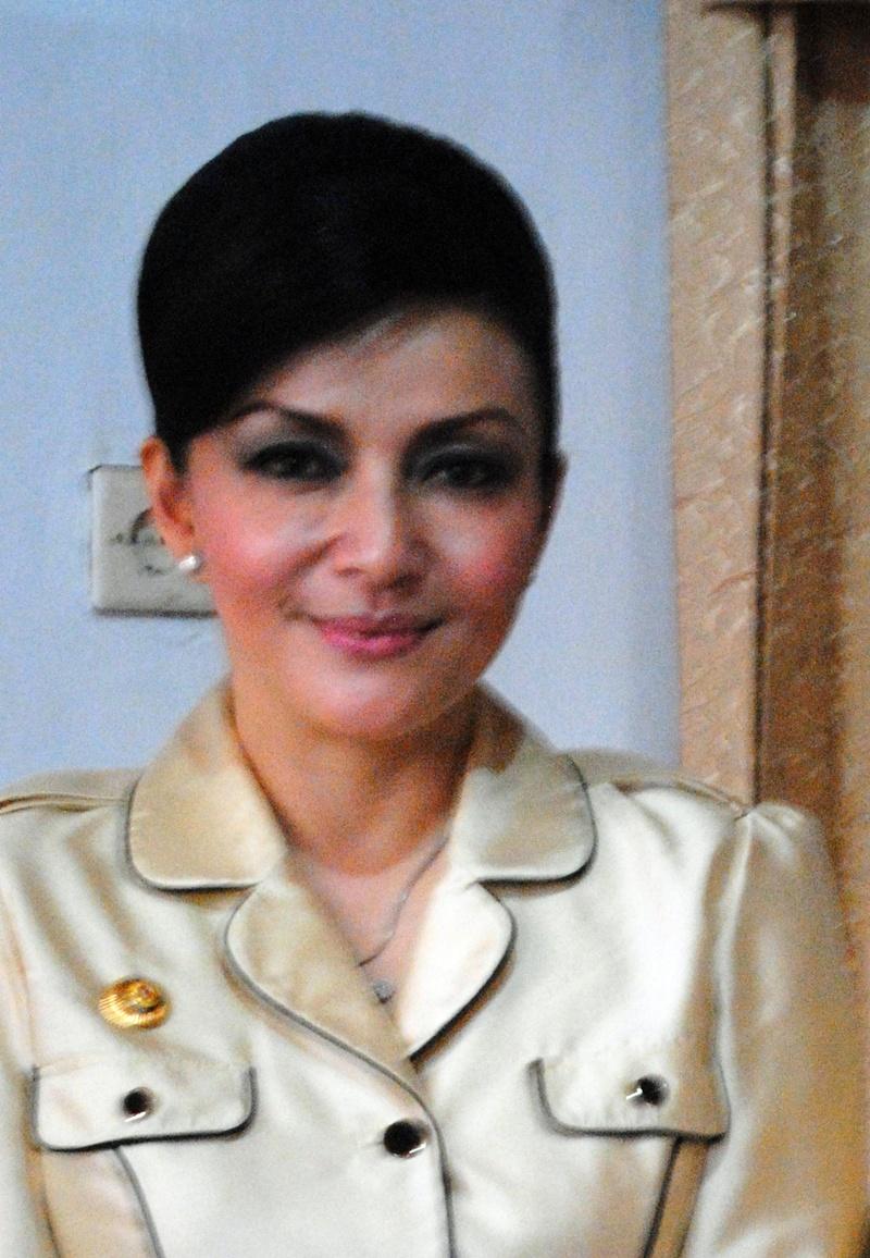 Profil Biodata Bupati Cantik Christiany Eugenia Paruntu