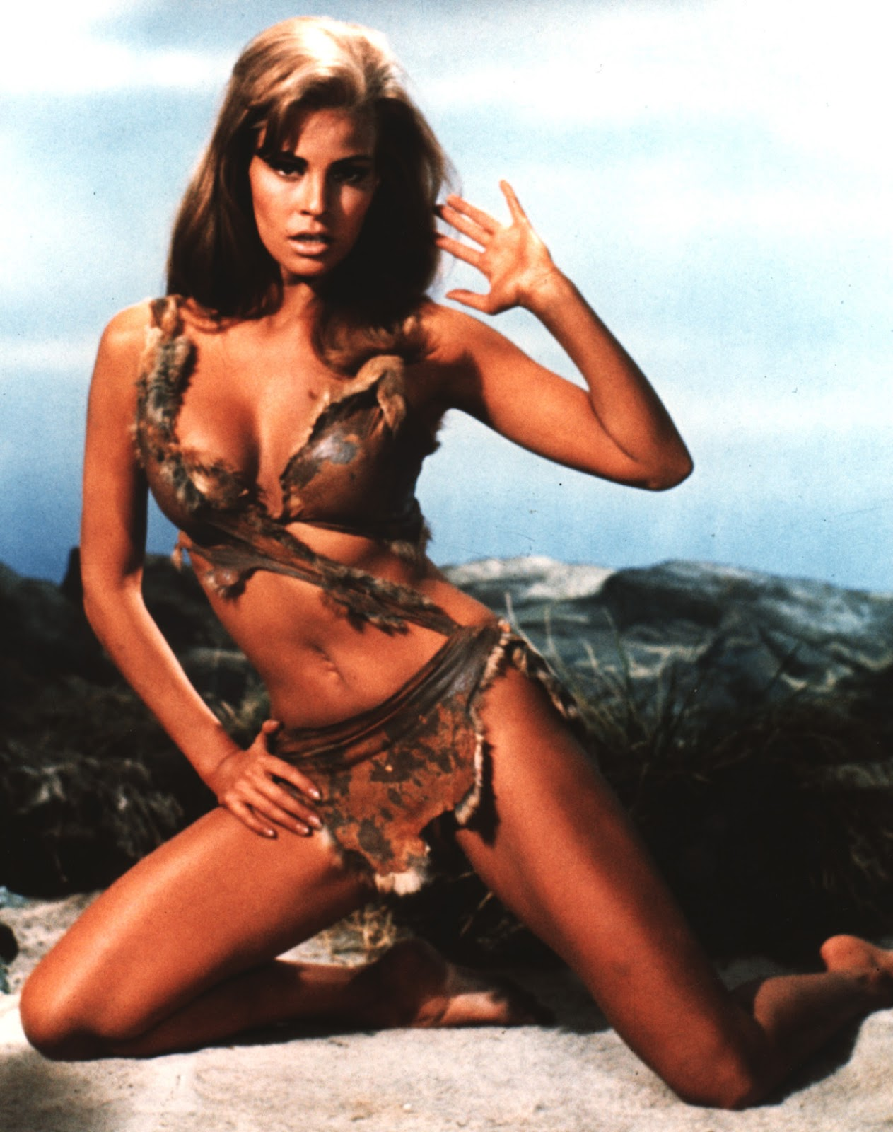 Slice of Cheesecake: Raquel Welch, cave girl