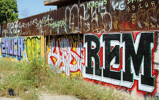 Band name REM - Graffiti