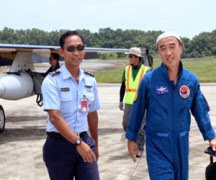 Pesawat T.50.I Ke-7 dan ke-8 Pesanan TNI Mendarat di Sepinggan Balikpapan