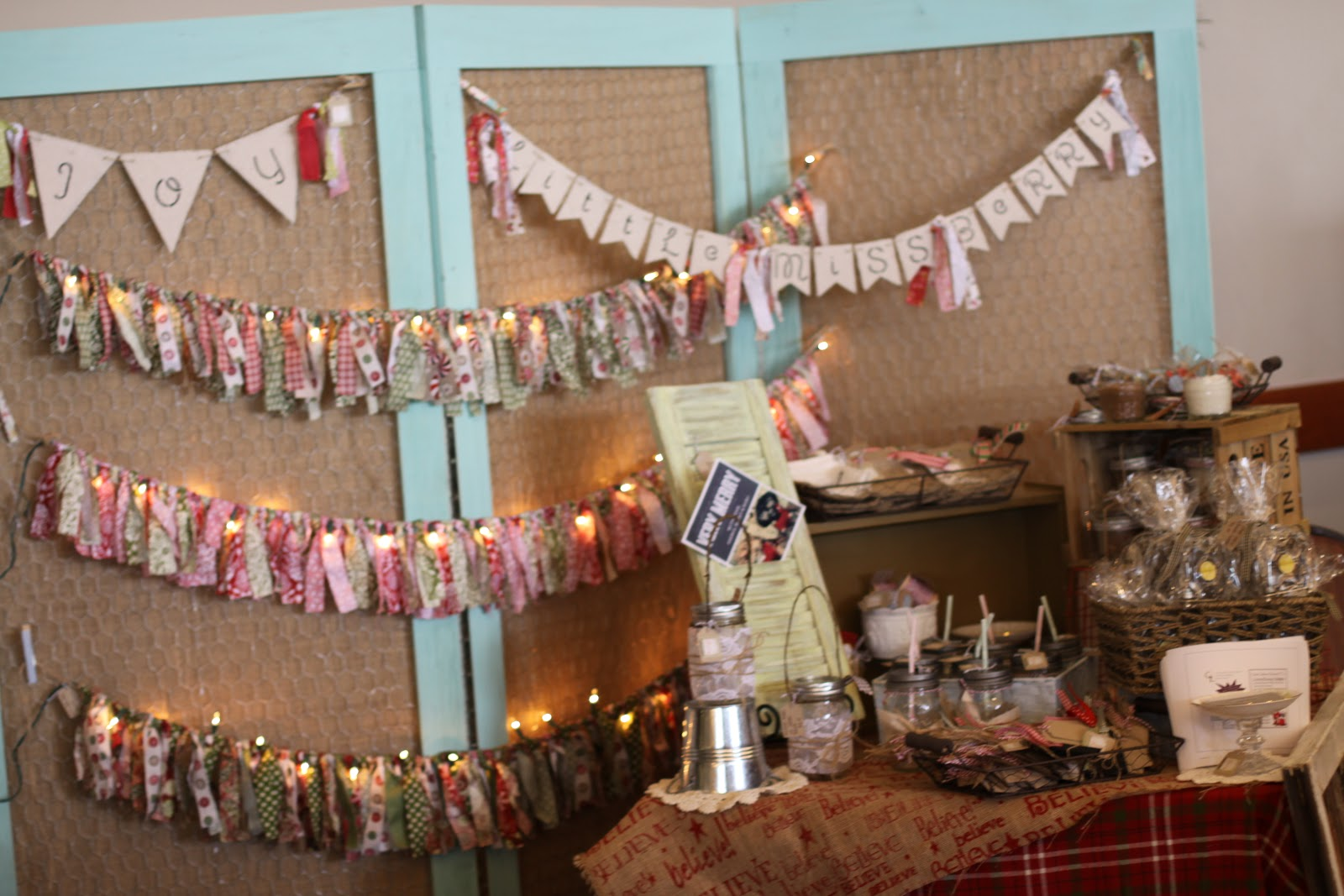 Little penelope lane holiday boutique recap for Holiday boutique