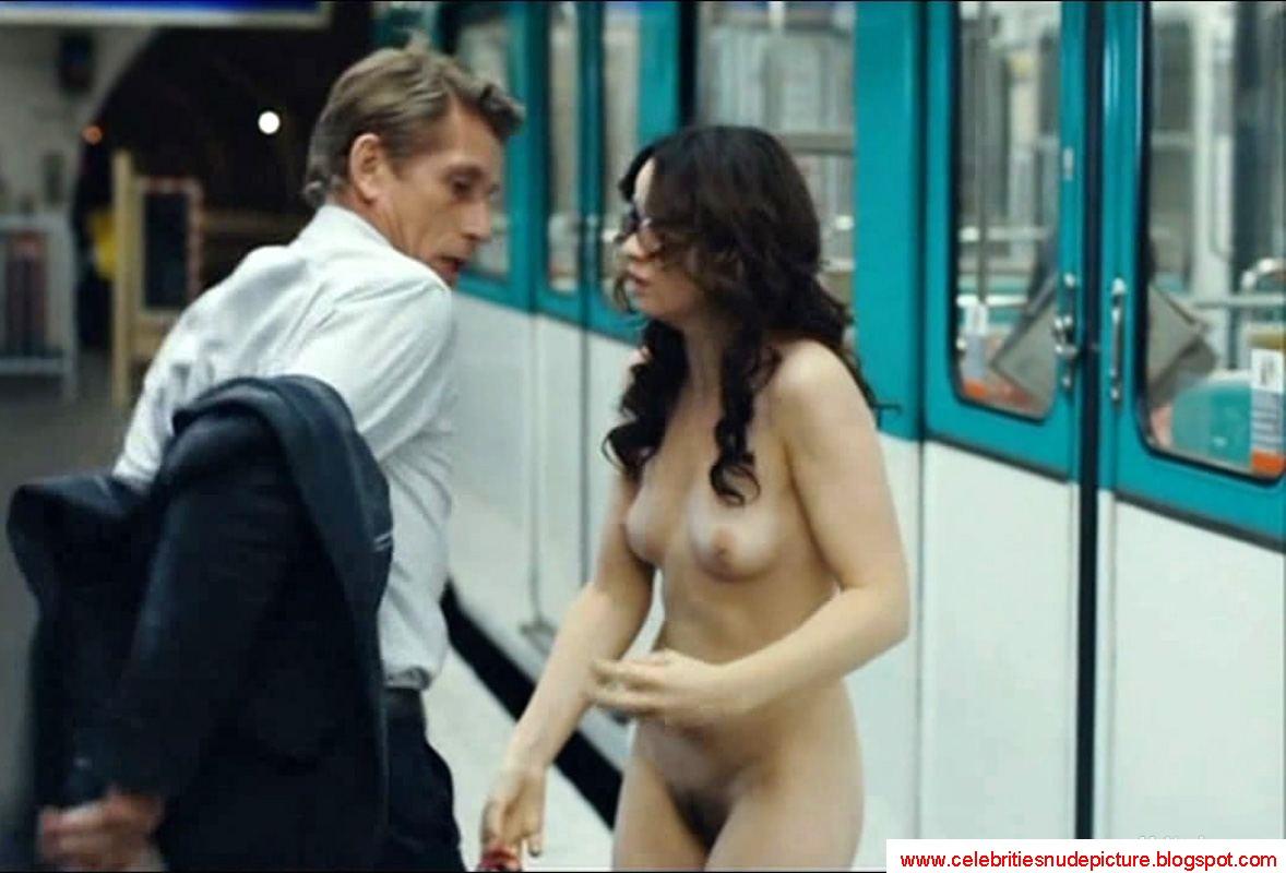 Love Battles Sara Forestier Nude
