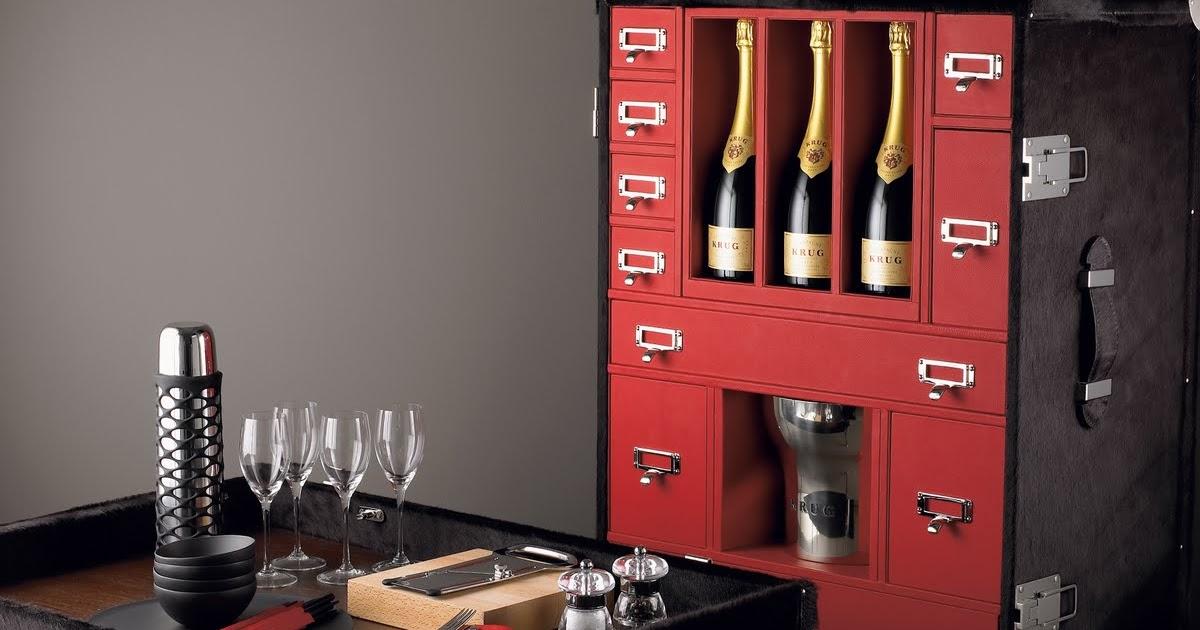 madame r ve paris pinel pinel pique nique palace. Black Bedroom Furniture Sets. Home Design Ideas