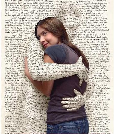 Dale un abrazo a un libro