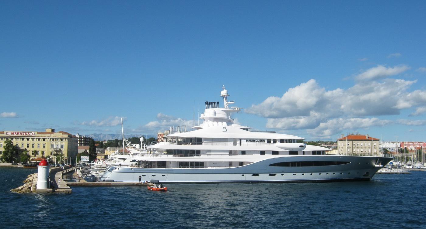 Superyacht MAYAN QUEEN IV starboard