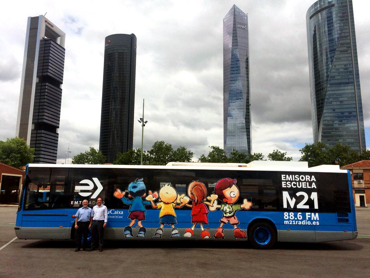 UN 'RADIOBÚS' ESCUELA LLEGA A MADRID