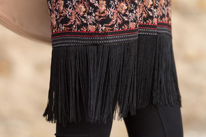 poncho de flecos nueva colección Zara
