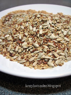 sesame-sunflower-linseed-mix