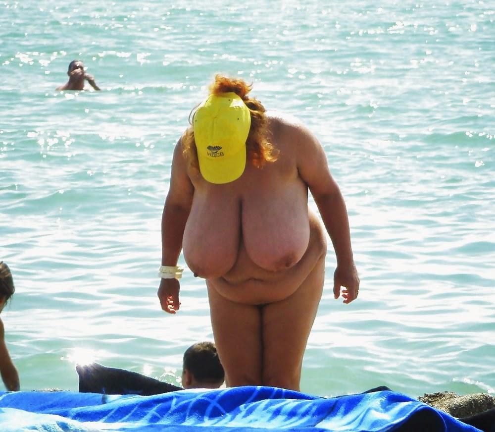 Nackt Bilder : Ein riesig hängender Vorbau   nackter arsch.com