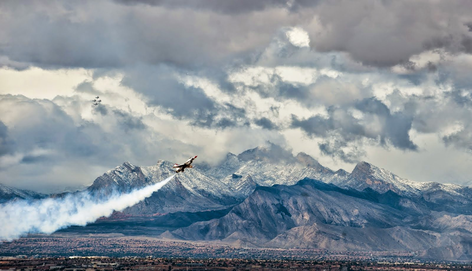 U.S. AIR FORCE THUNDERBIRDS PERFORM DEMONSTRATION AT NELLIS AFB