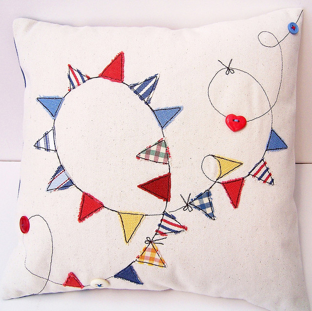 Bebe Bradley, fabric scraps, cushion applique, pillow cover, applique, modern applique, applique and embroidery,